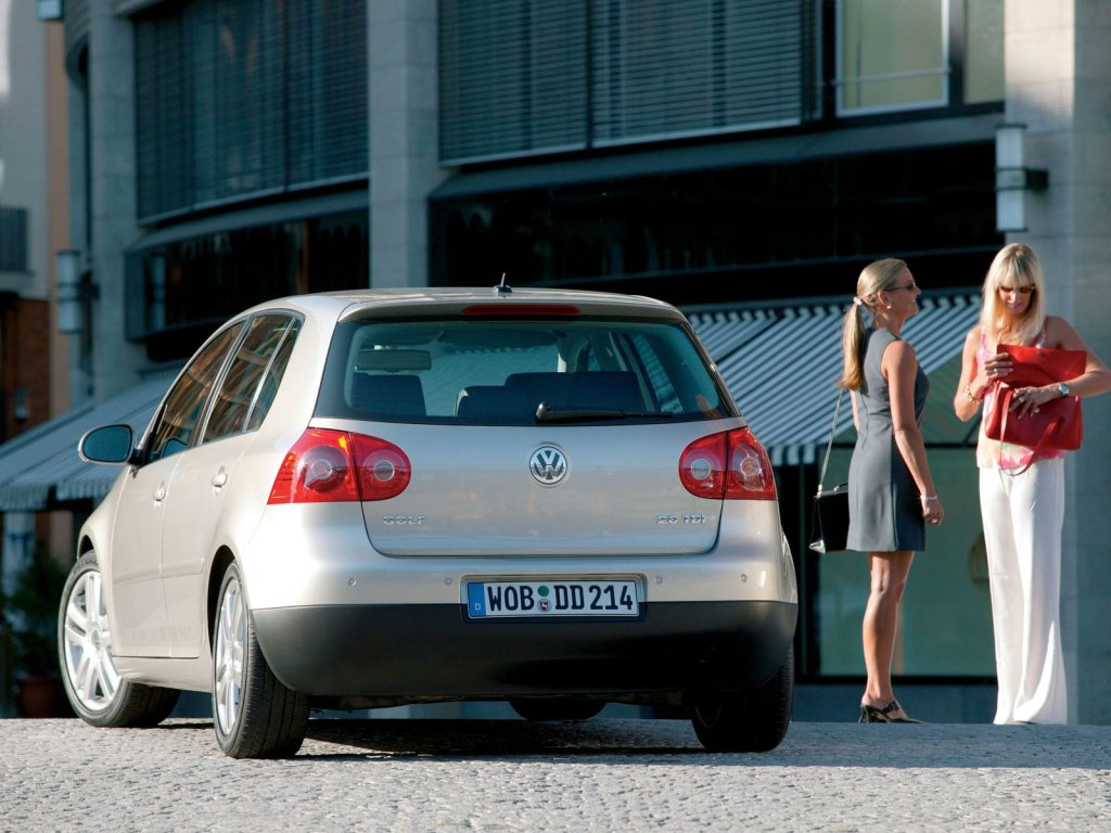 фото.  Volkswagen Golf.  Случайн…