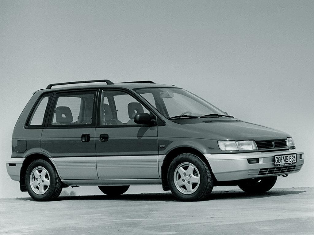 Mitsubishi Space Runner: 8 фот…