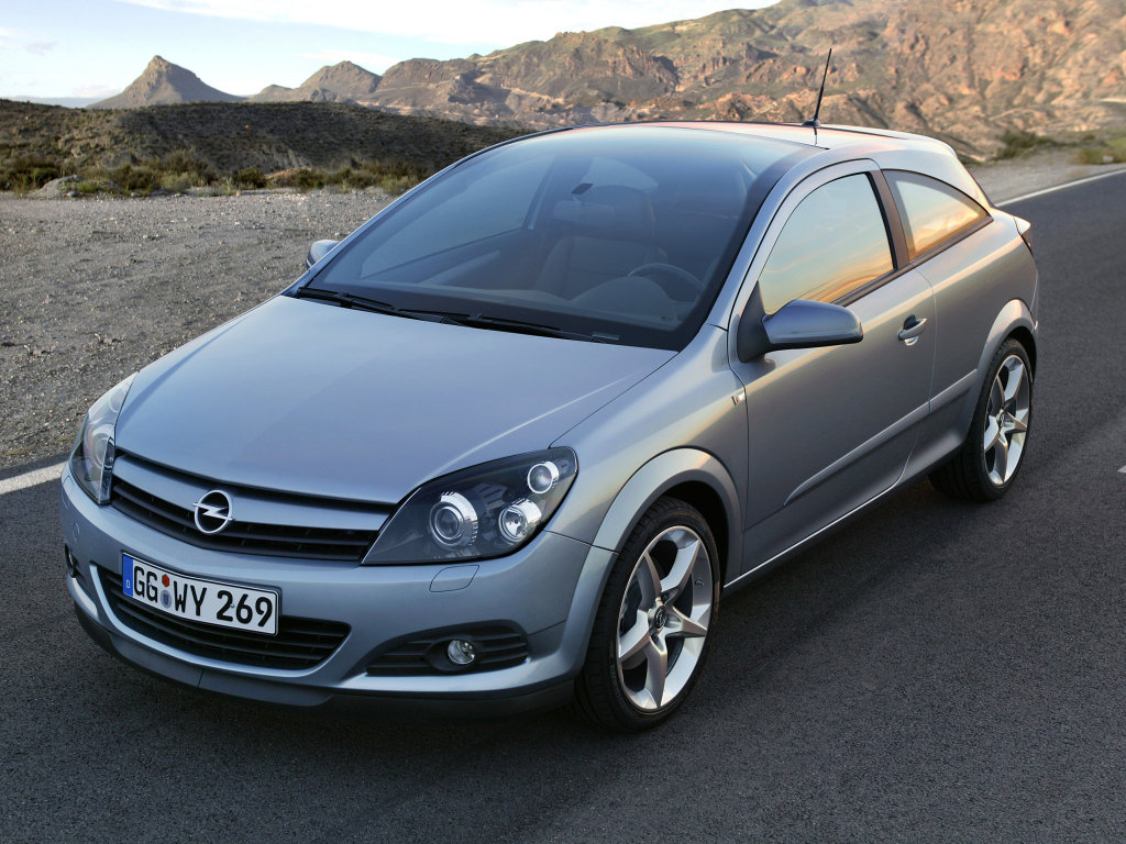 Фото автомобиля Opel Astra GTC.