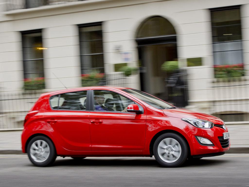 Новый авто Hyundai i20 фото.