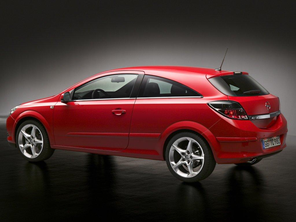 Автомобили Opel Astra.