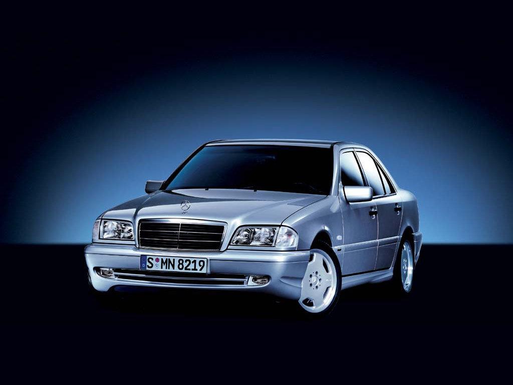 »Выбираю между Mercedes-Benz W…