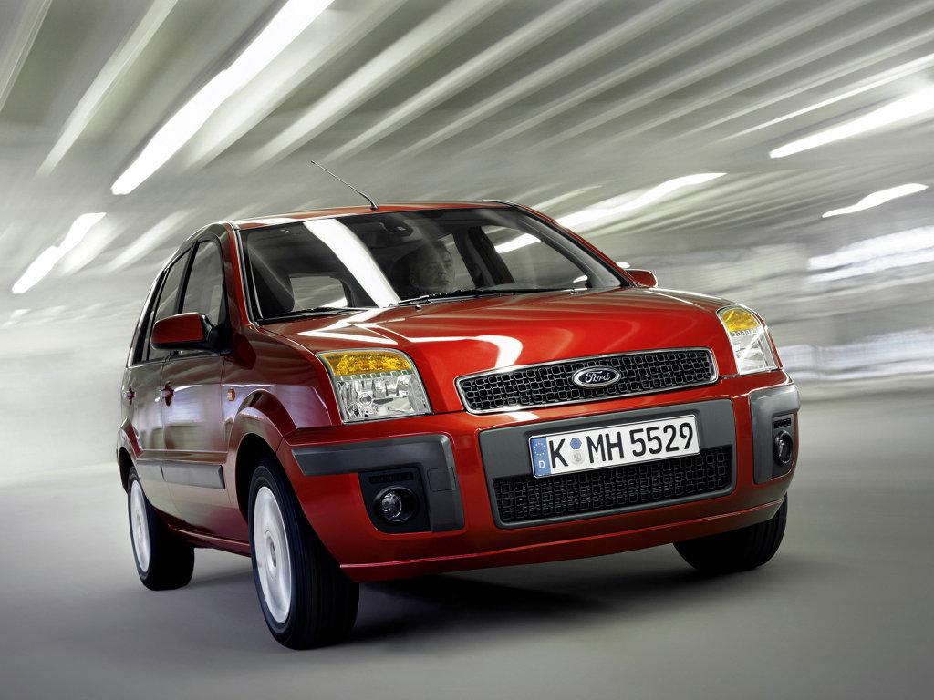 Фото автомобиля Ford Fusion.