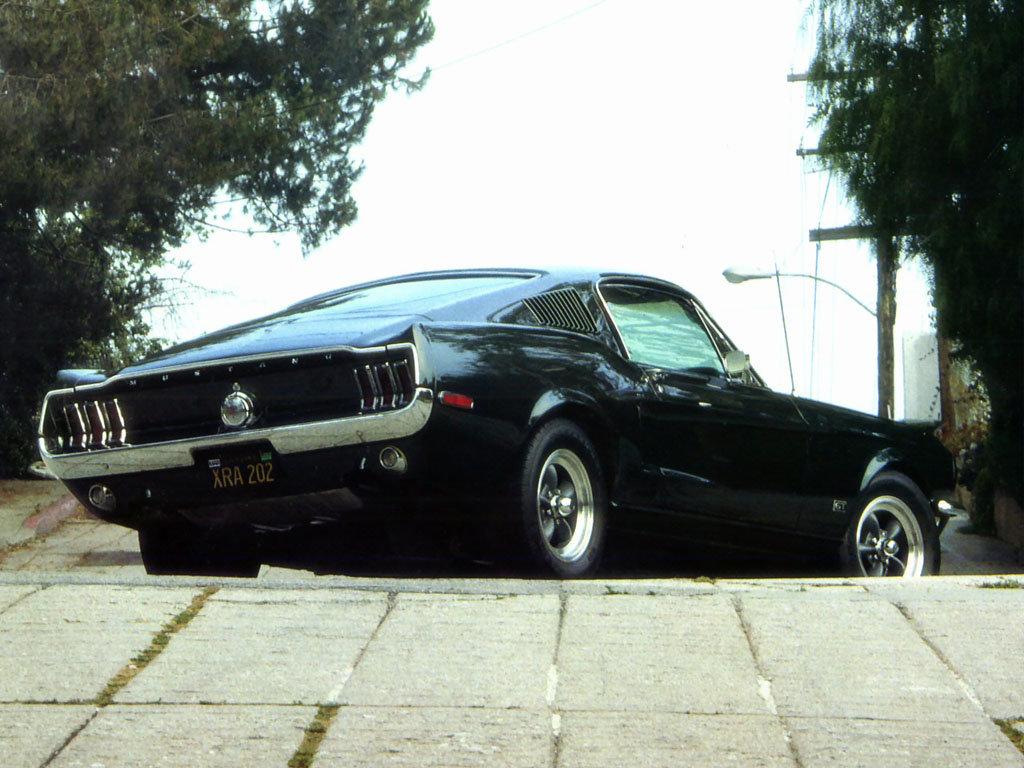Эмблемы автомобилей мира  названия и фото