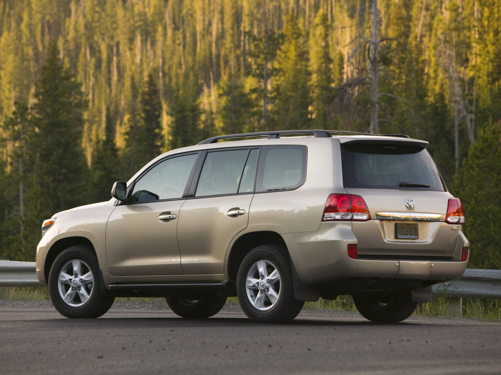 Фото Toyota Land Cruiser 200…