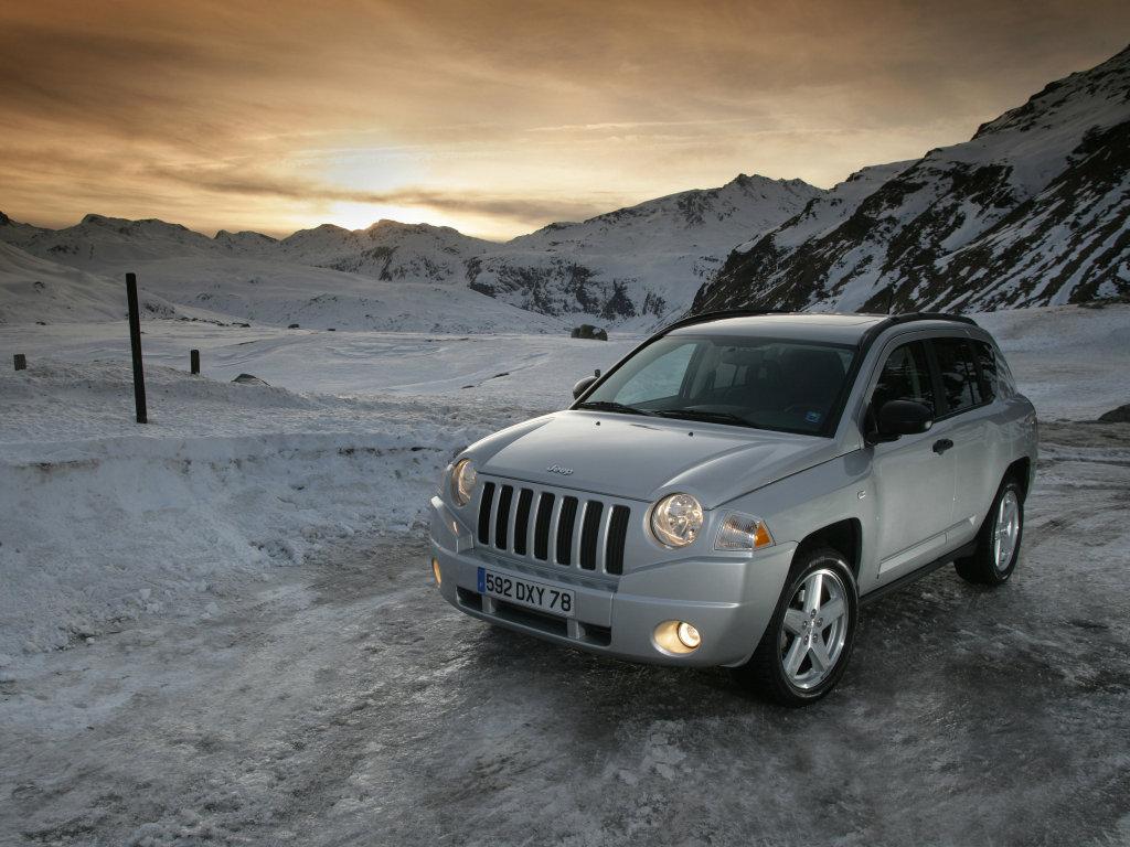Jeep Compass фото.