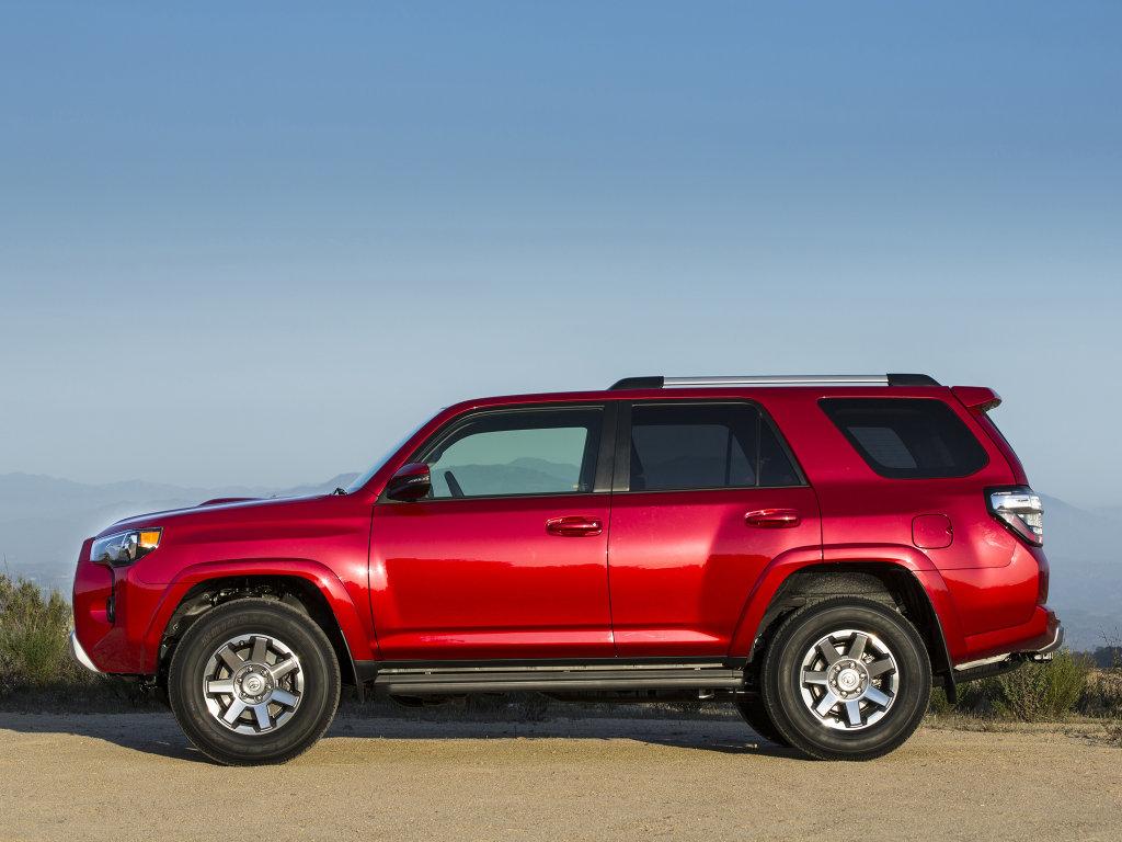 Toyota показала обновленный внедор…