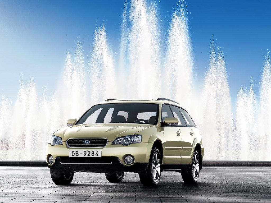 Фото Subaru Outback.