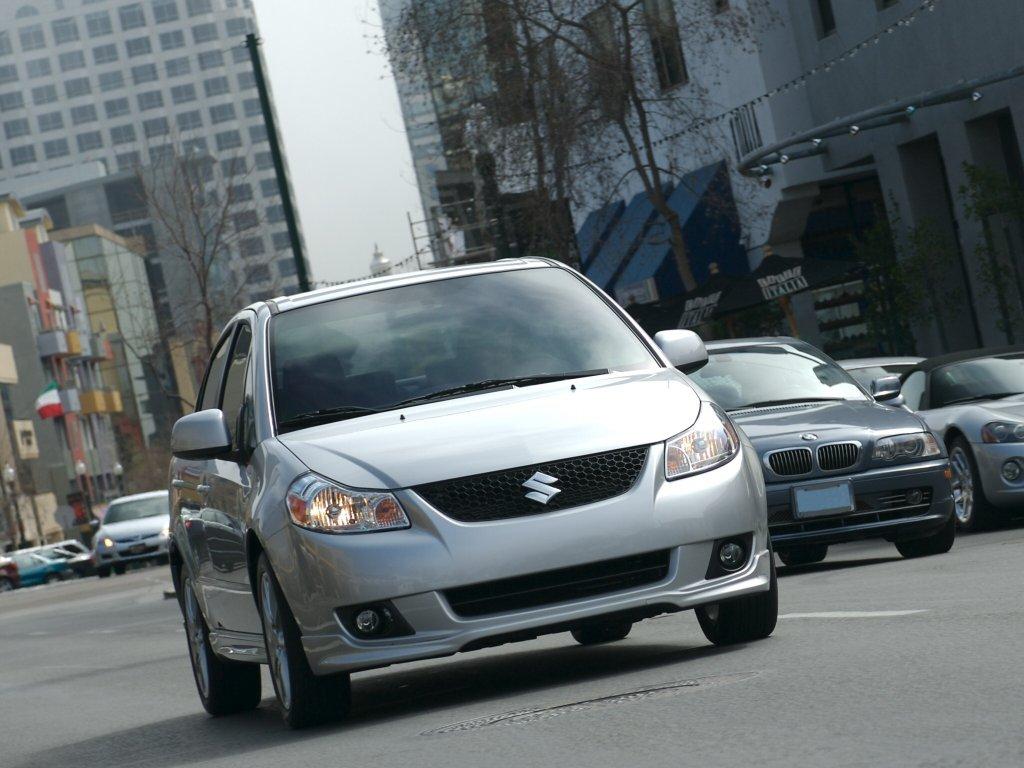 Автомобили Suzuki SX4.
