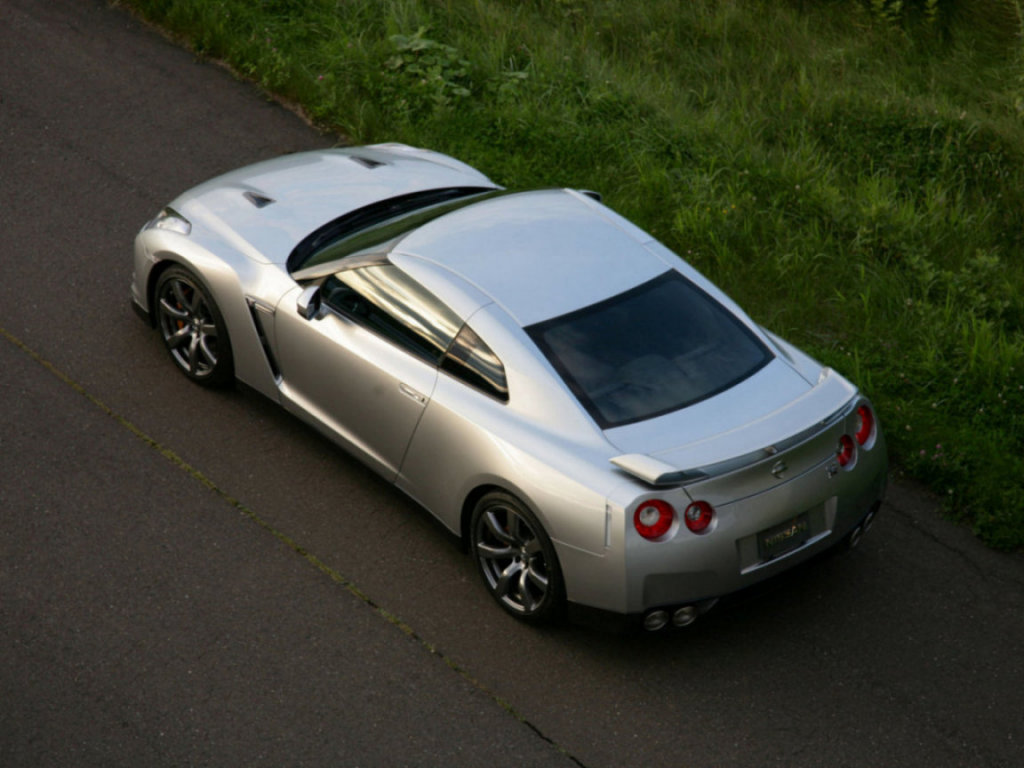 Фото автомобиля Nissan GT-R.…