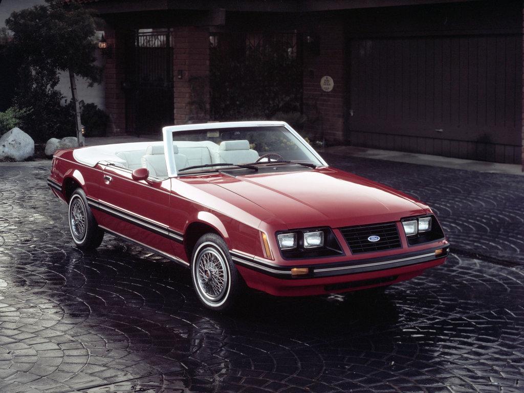 Фотография Ford Mustang Convertibl…