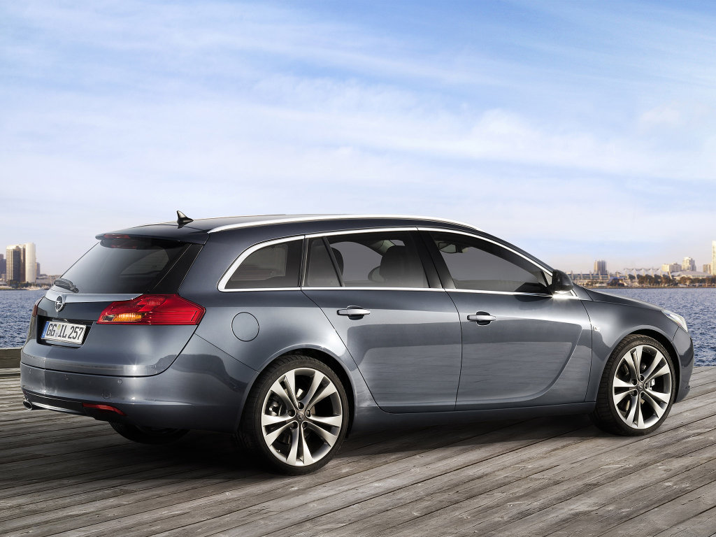 Opel Insignia Sports Tourer Фото…