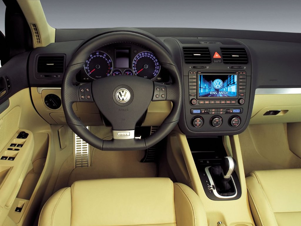 Volkswagen Golf GTI / фото #…