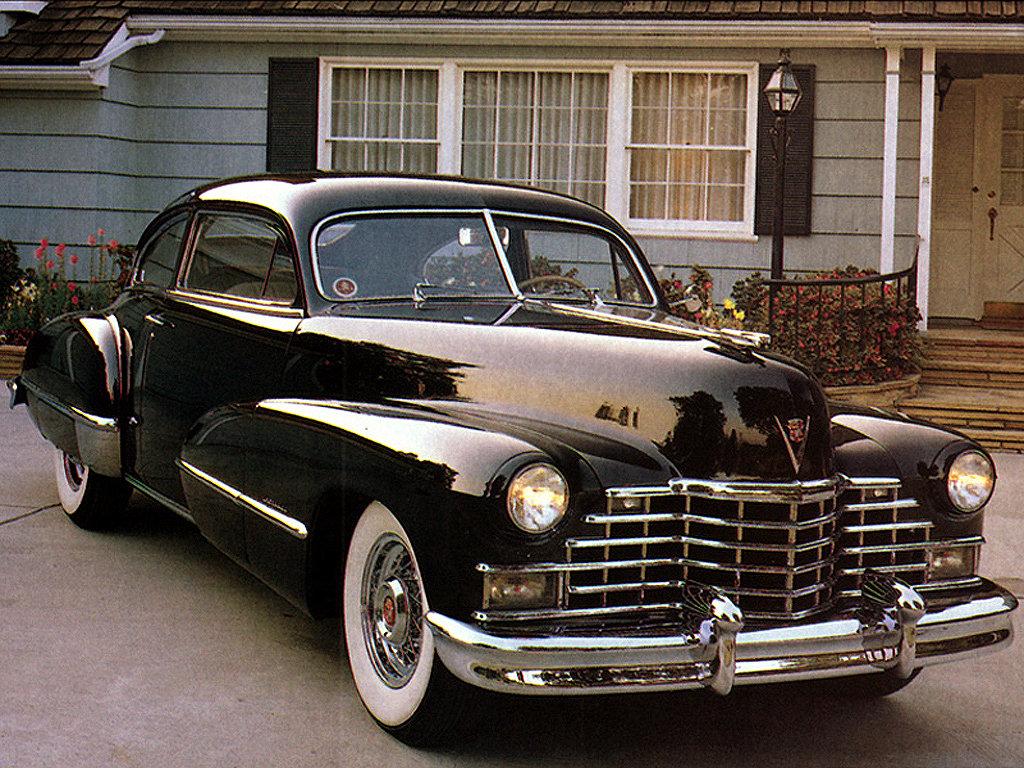 àâòîìîáèëåé Cadillac 62