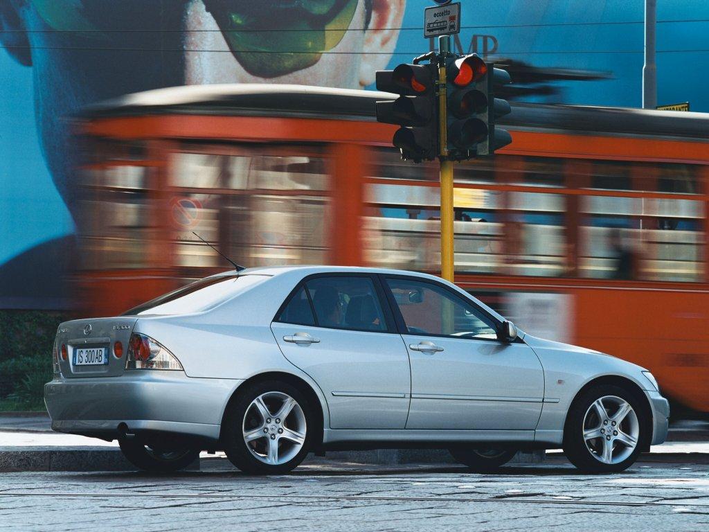 Фотогалерея Lexus IS 300 / стран…