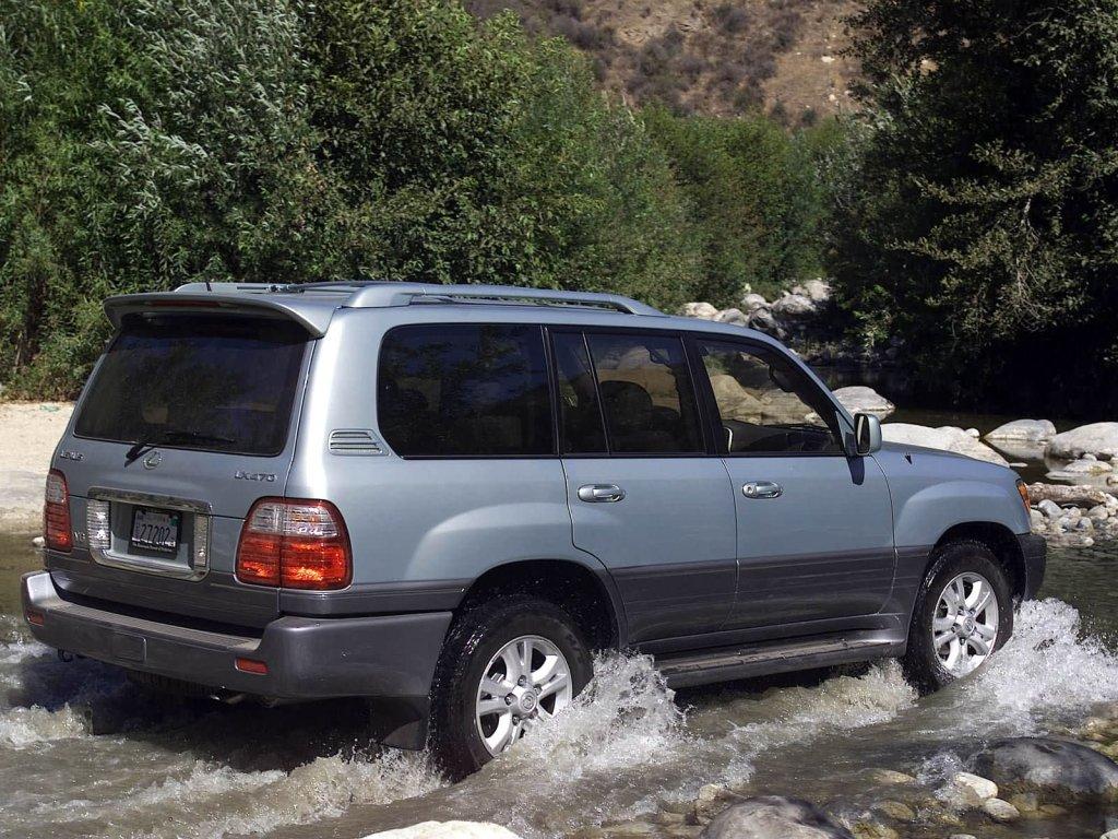 У безработных москвичей похитили Lexus…