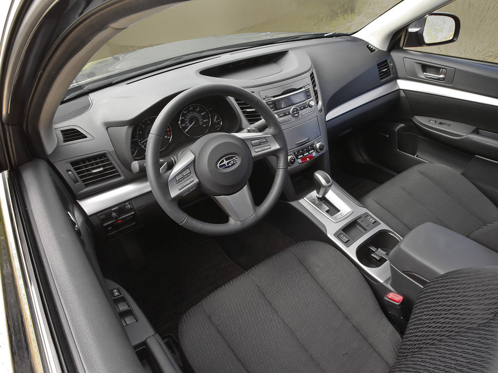 2010 Subaru Legacy Interior Phot…