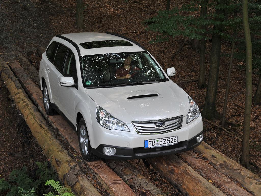 Поколения автомобилей Subaru Outba…