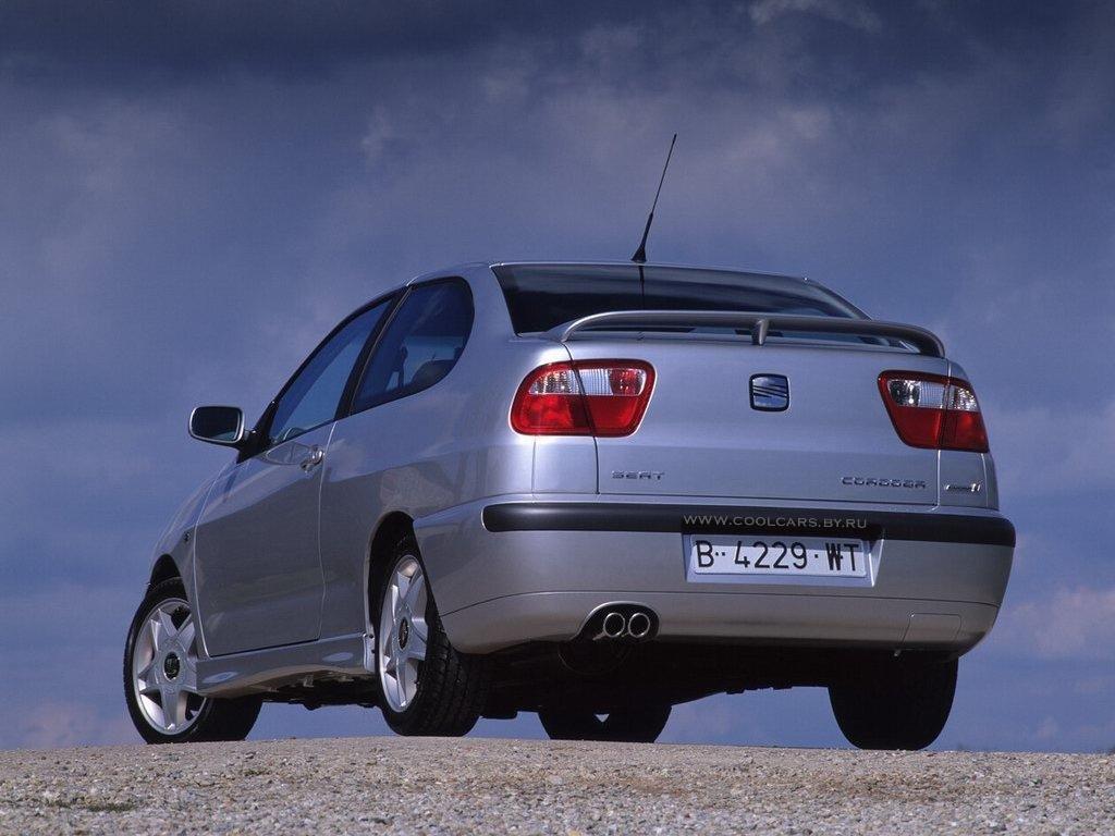 SEAT Cordoba photo 12.