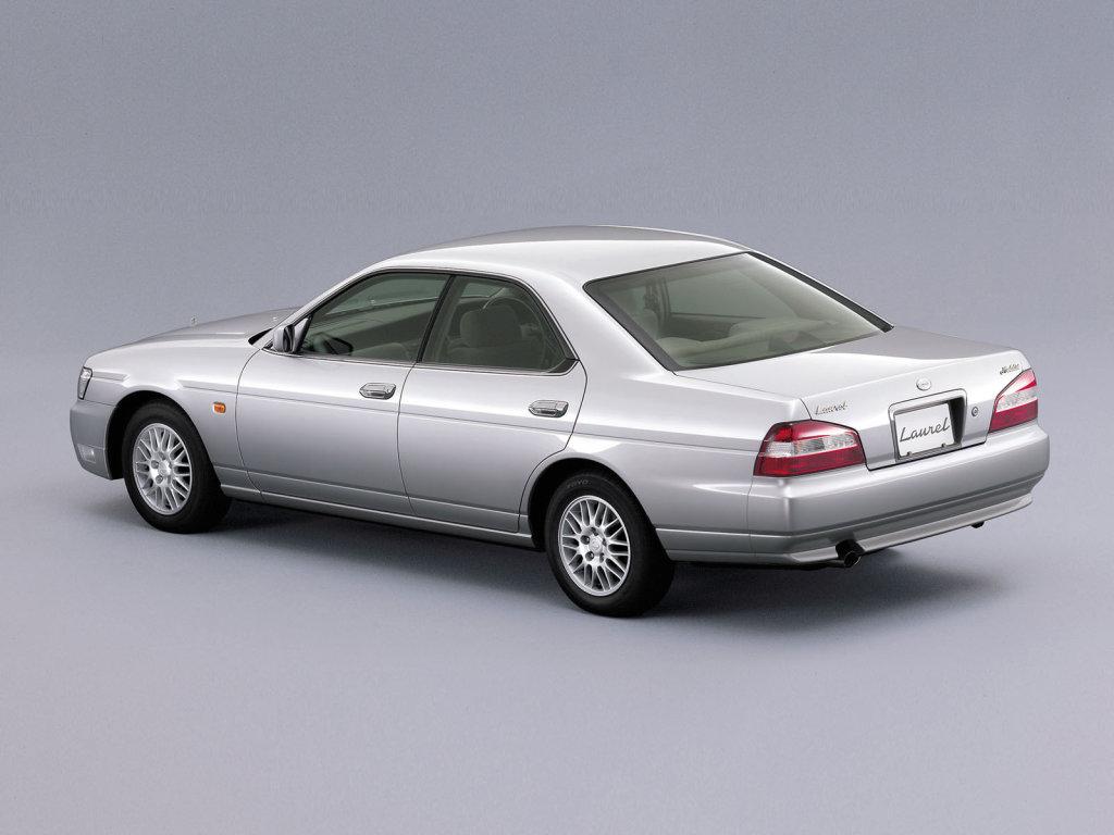 Фото Nissan Laurel седан C35…
