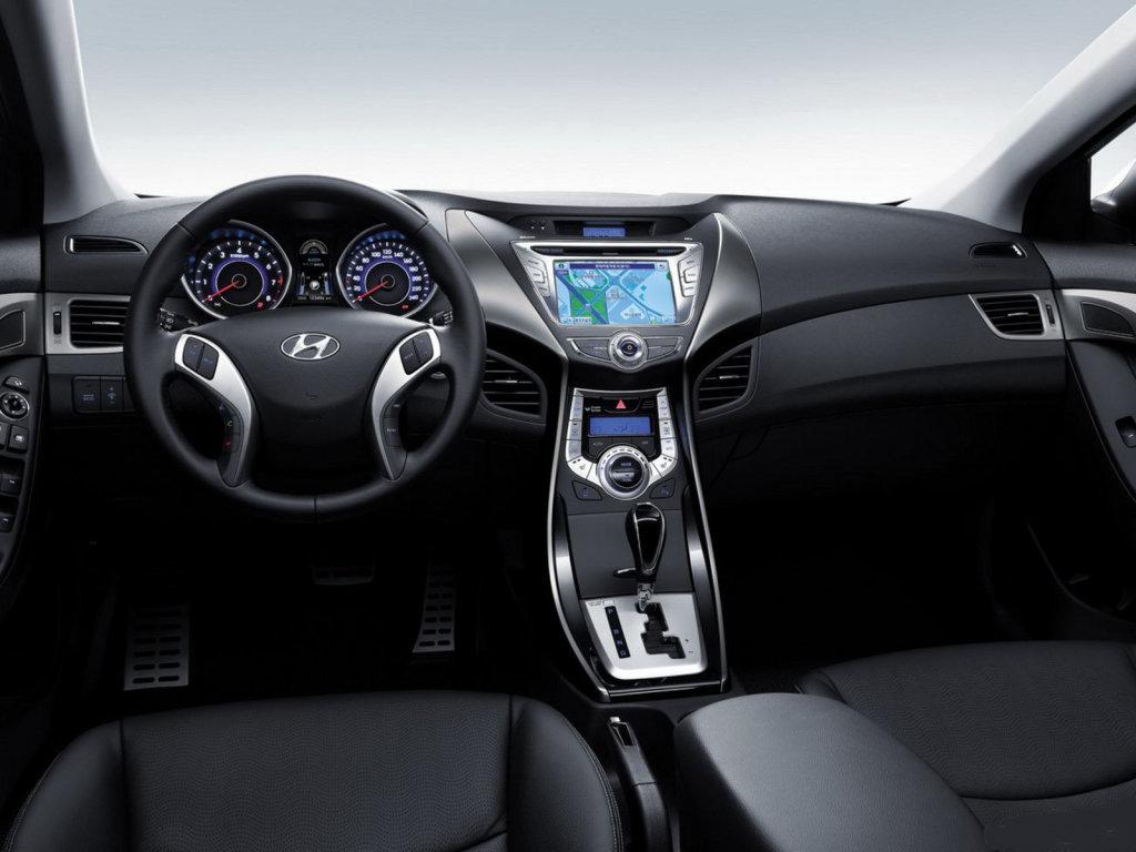 Hyundai выпустила фото Elantra 2…