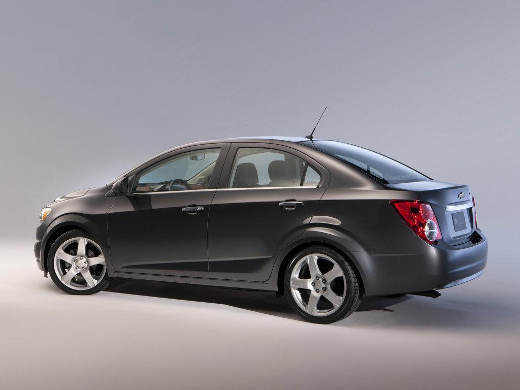 Новый седан Chevrolet Aveo.