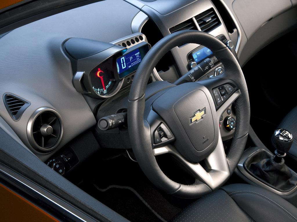 Фото 2012 Chevrolet Aveo/Sonic…