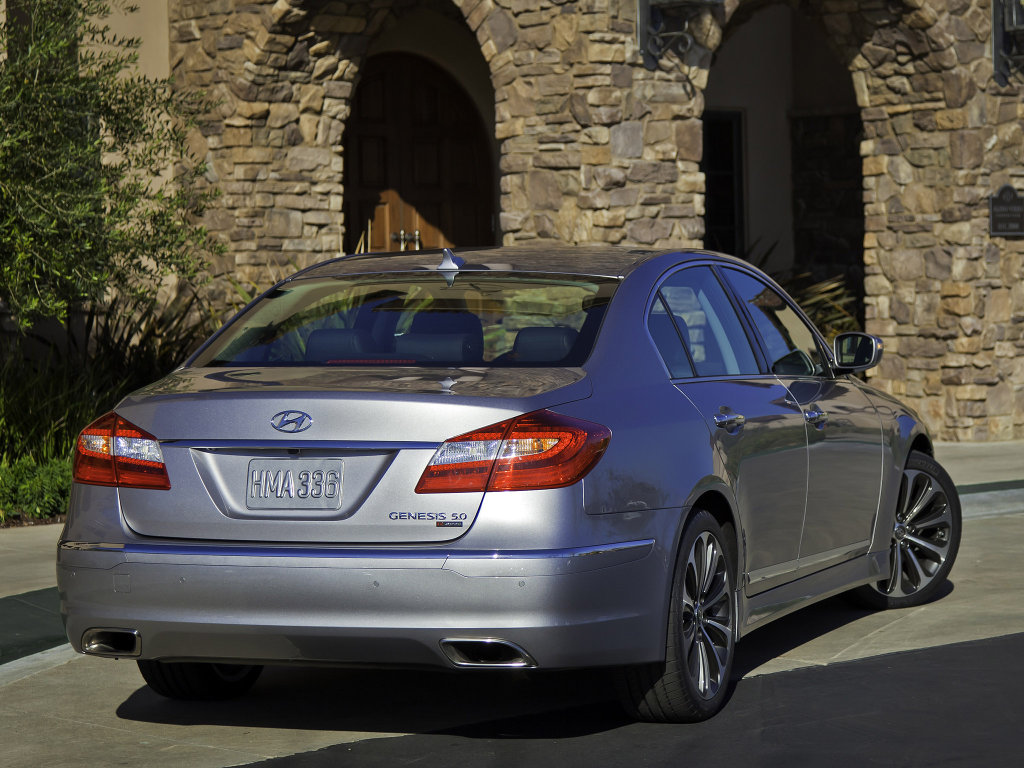 Hyundai Genesis Sedan 2012 Price…