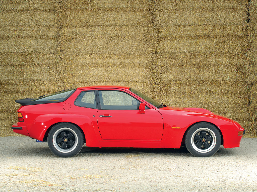 All pictures of Porsche 924.
