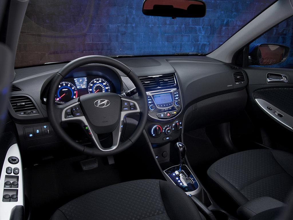 2013 b Hyundai Accent /b cockpit…