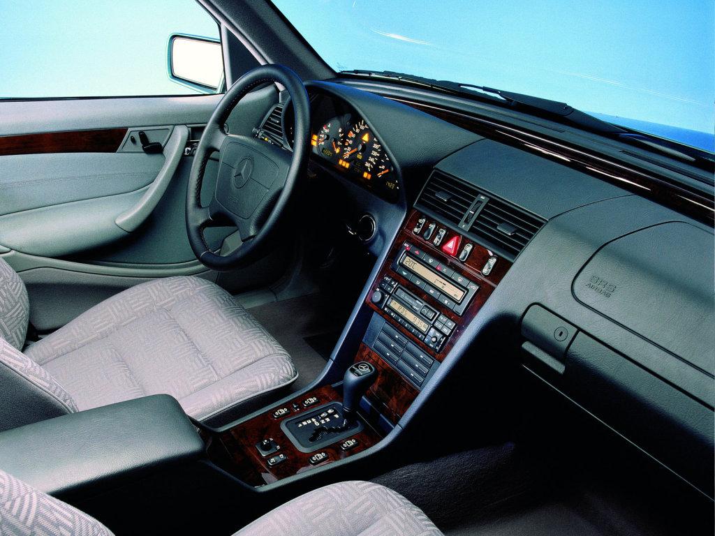 фото Mercedes-Benz C 220 CDI…