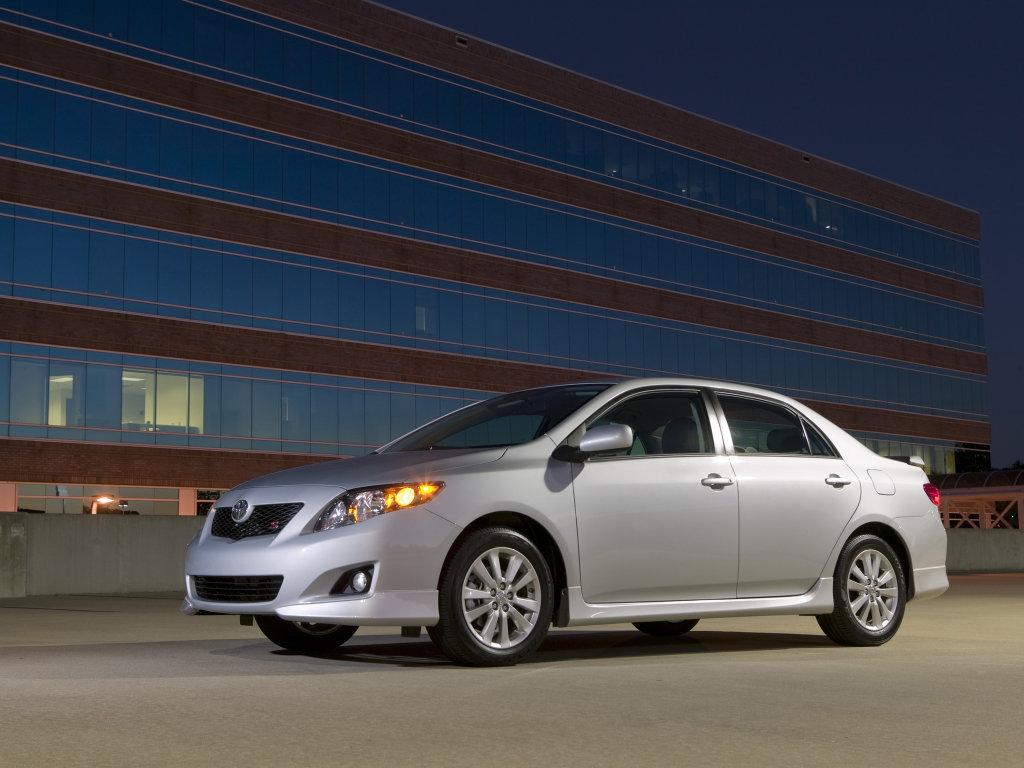 2010 Toyota Corolla Images.