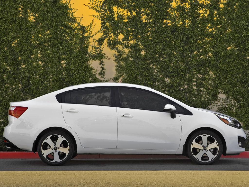 фото KIA Rio Sedan 10.