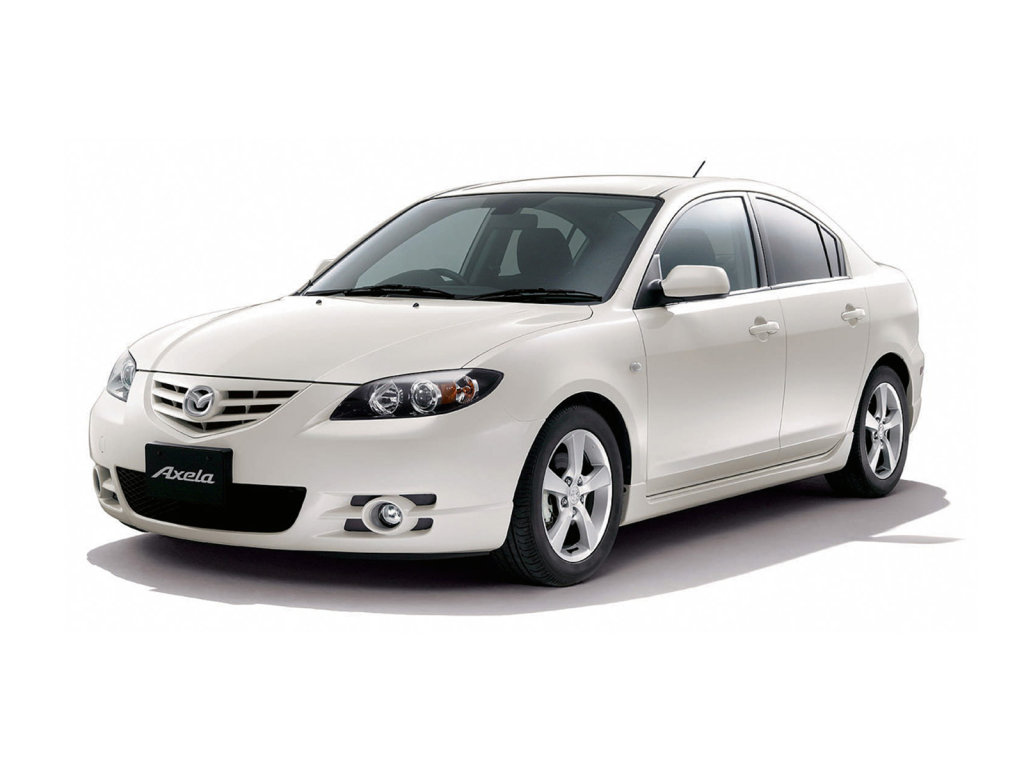 Mazda Axela седан.