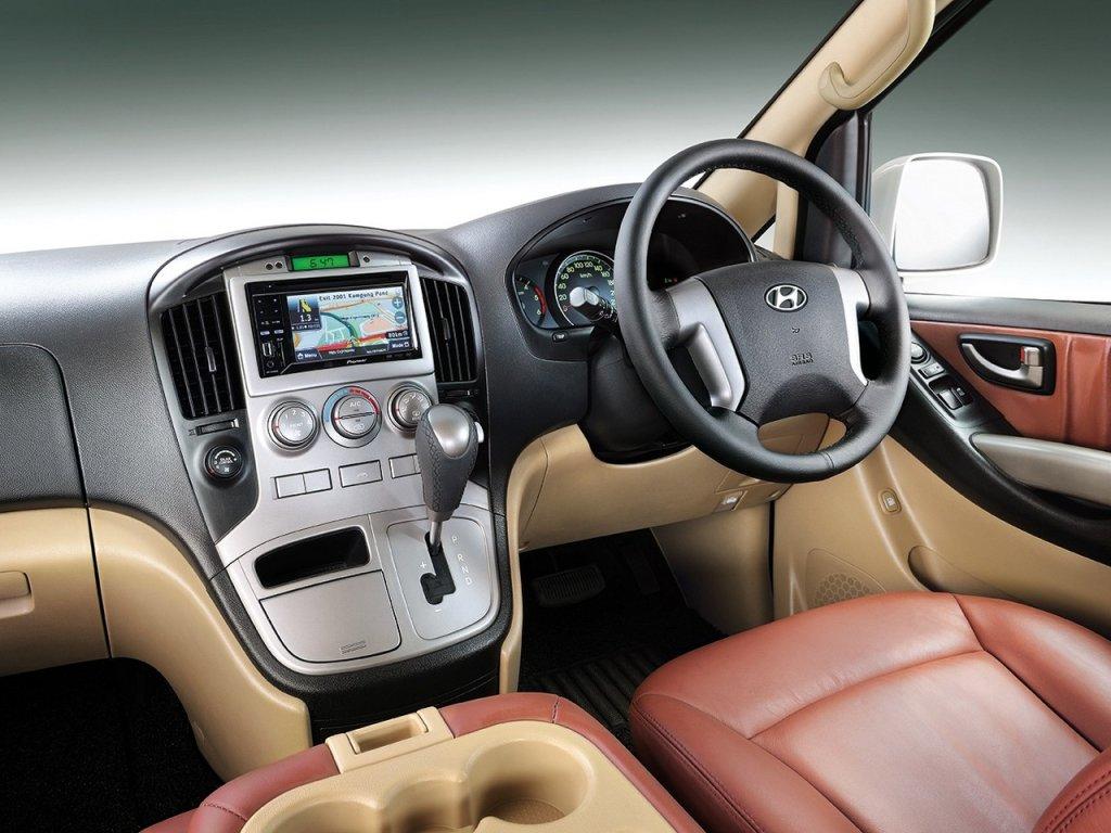 Hyundai Grand Starex Royale 2011…
