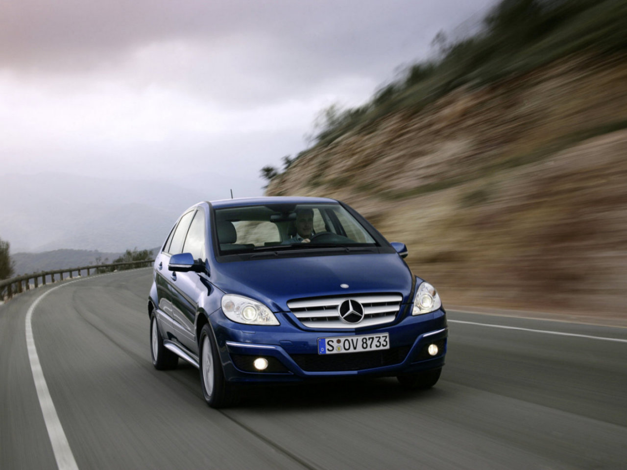 Mercedes-Benz B-Class: Спортивний сім'янин