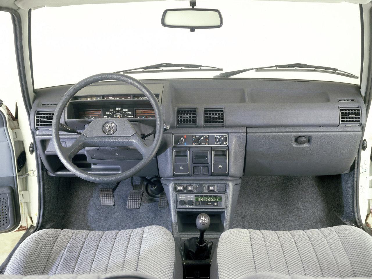 Peugeot 305 / Пежо 305