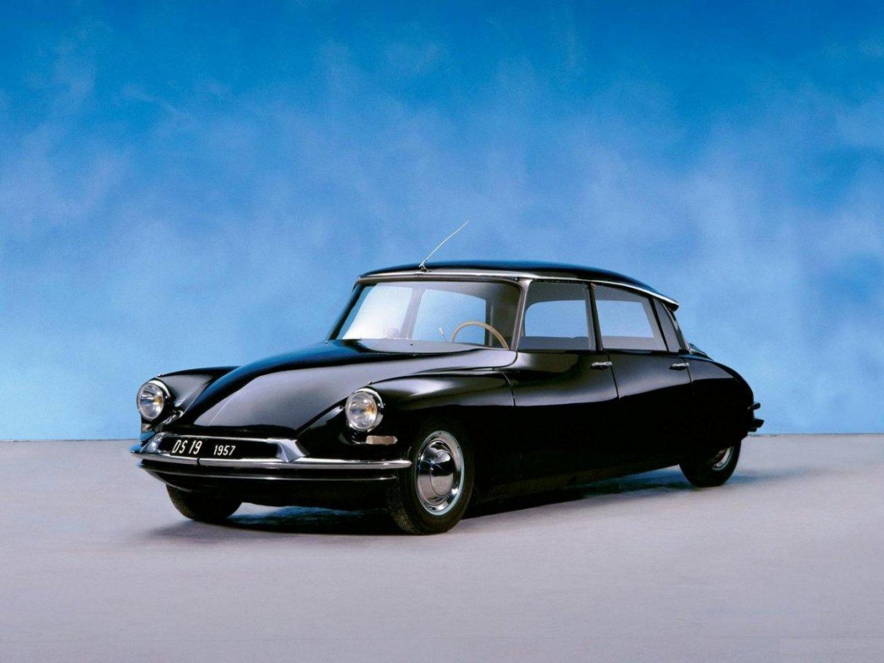 http://img7.autonavigator.ru/carsfoto/1280/6799/87542/Citroen_DS19_Sedan_1955.jpg