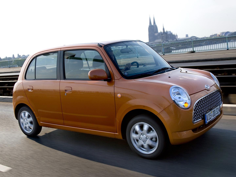 Дайхатсу Тревис (Daihatsu Trevis) представляет собой малолитражный городской автомобиль, который производит компания Daihatsu.