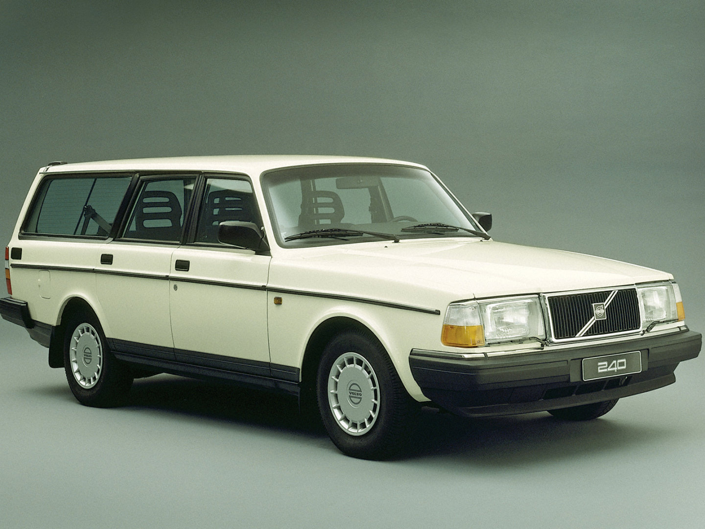 1974 Volvo 245 Dl Estate Related Infomation Specifications