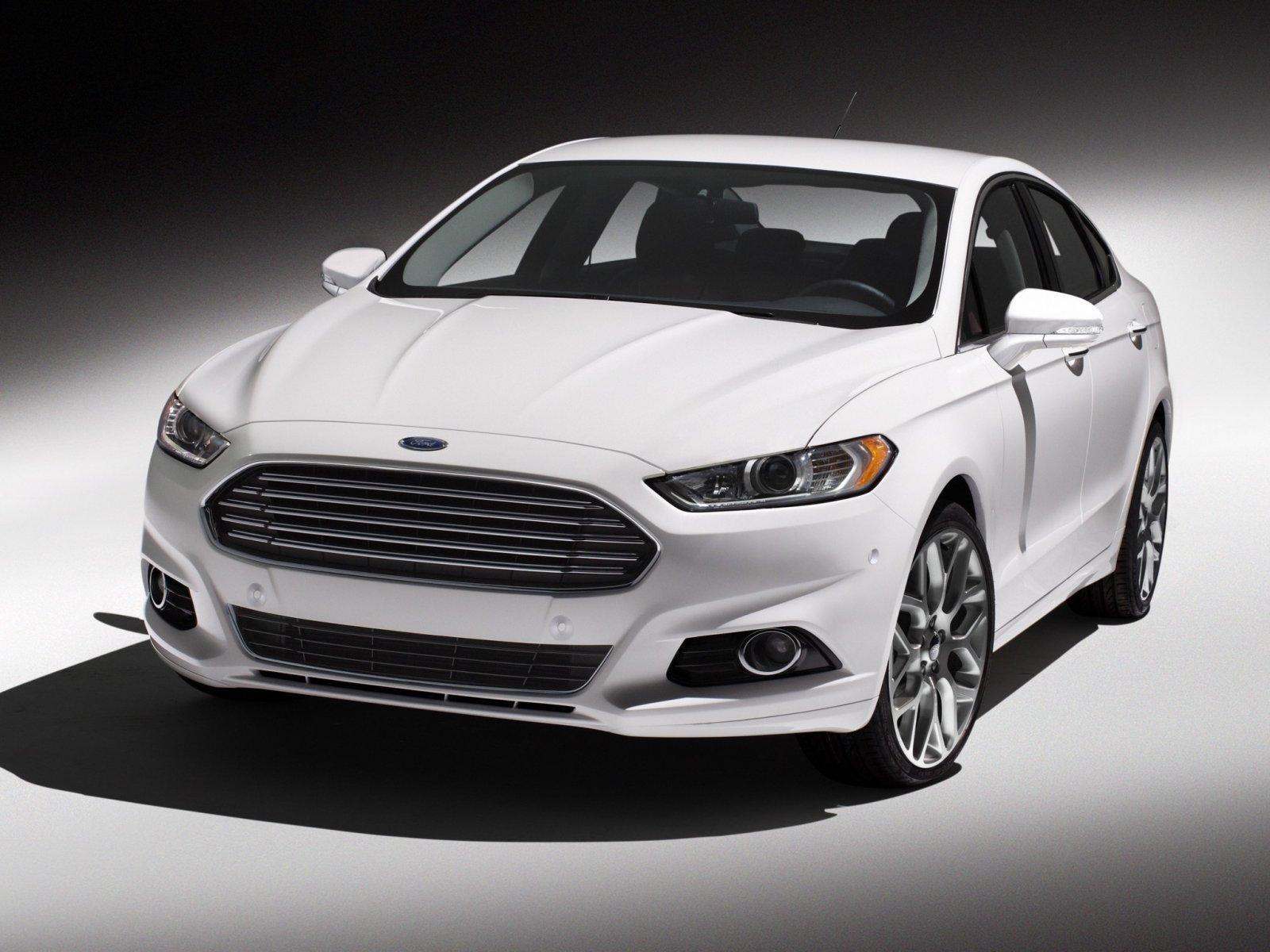 Компания Ford представила новый Ford Fusion в трех модификациях (78