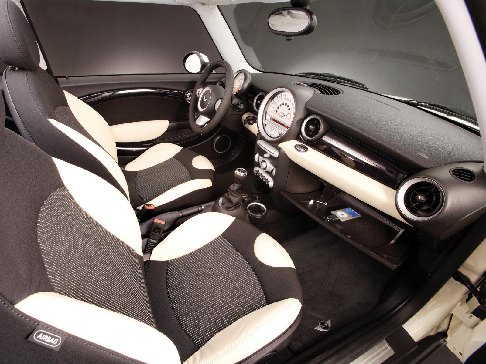 Mini_Cooper_Hatchback%203%20door_2008.jp