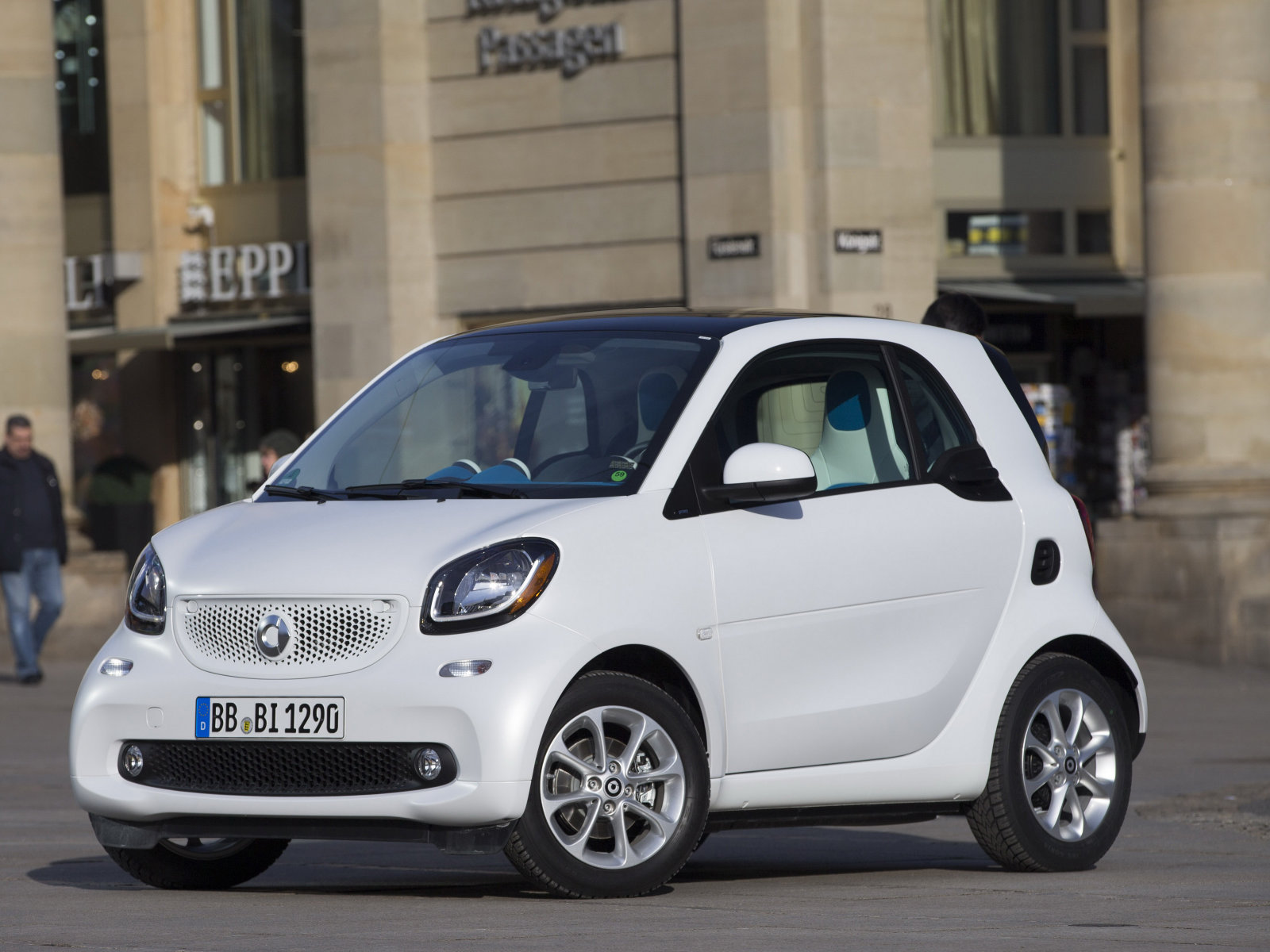 Smart_Fortwo_Hatchback%203%20door_2015.j