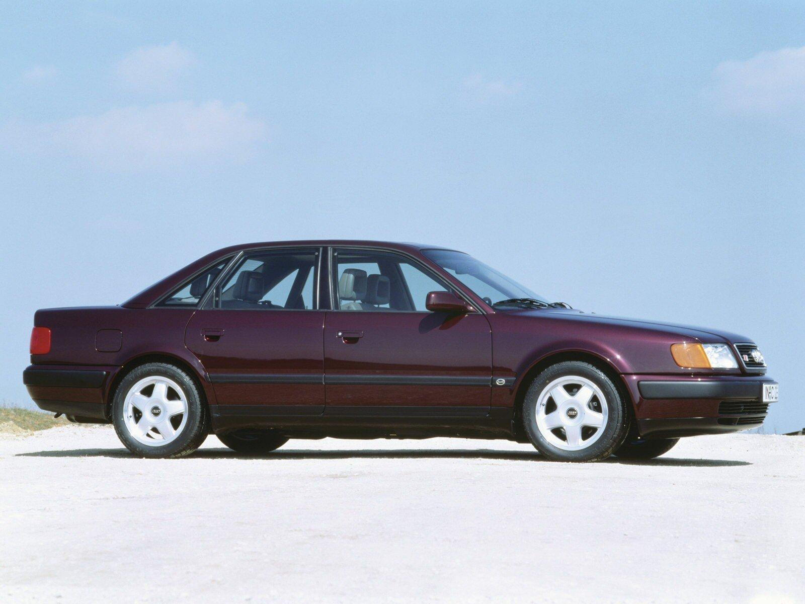Молодое поколение и не знает, поди, что есть такой автомобиль Audi 100