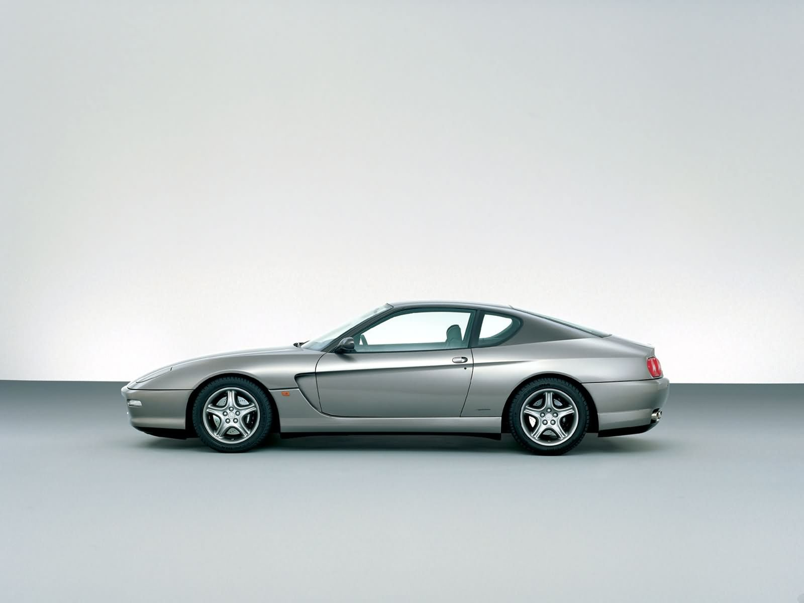 Автомобили фото картинки.