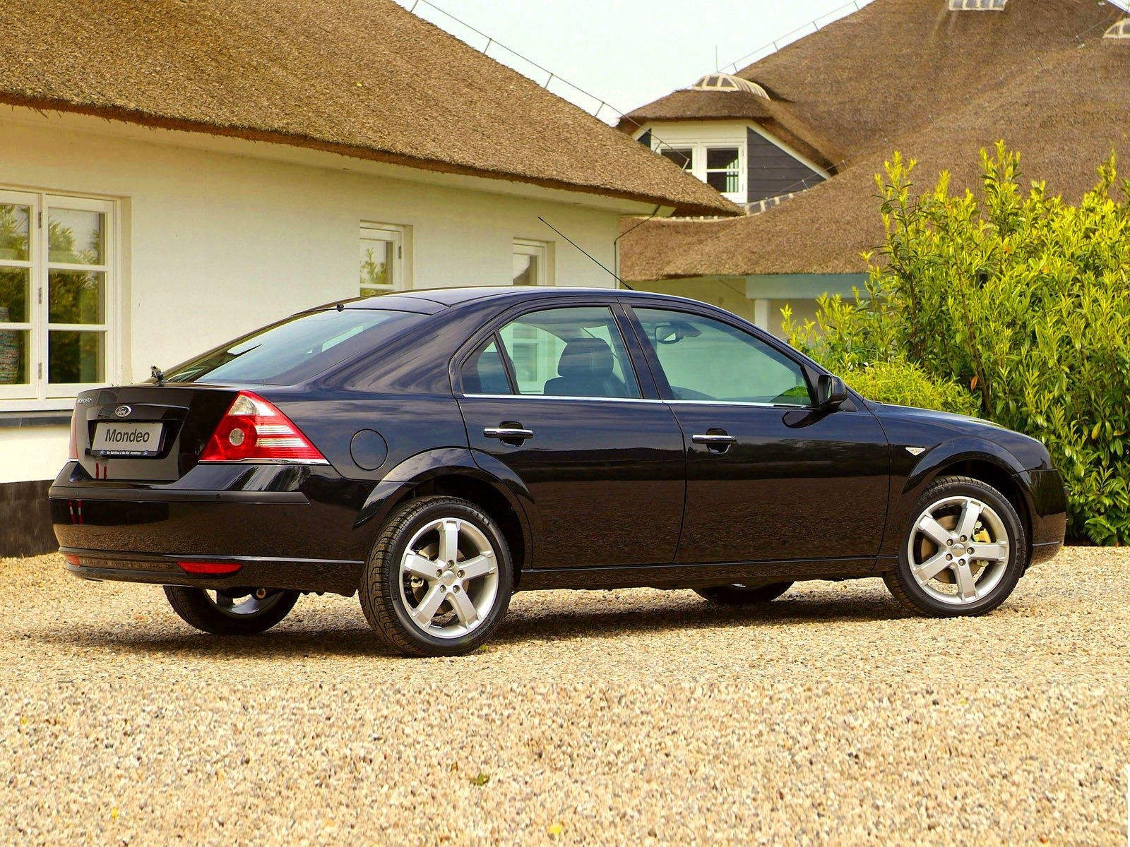 Фото автомобиля Ford Mondeo III Hatchback.