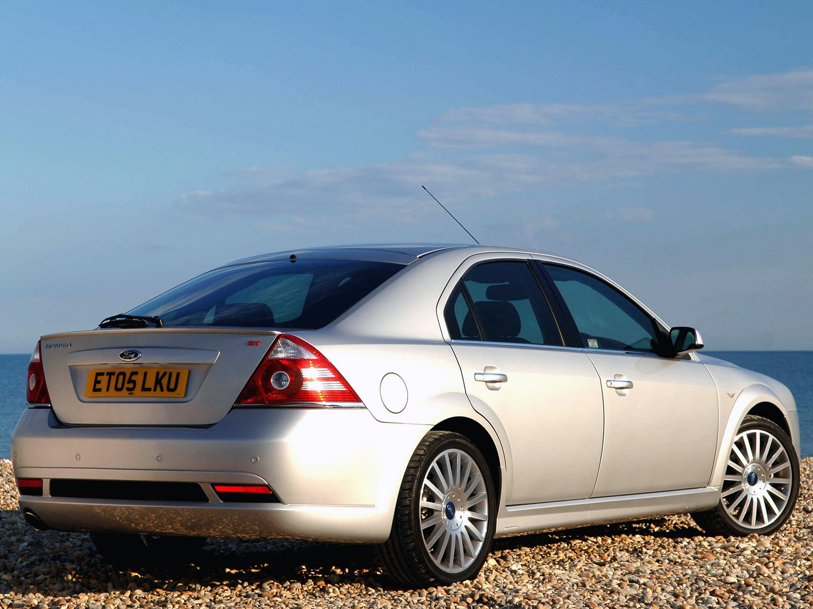 Ford Mondeo RS. photo ford-mondeo-rs-06.jpg. MotoBurg.