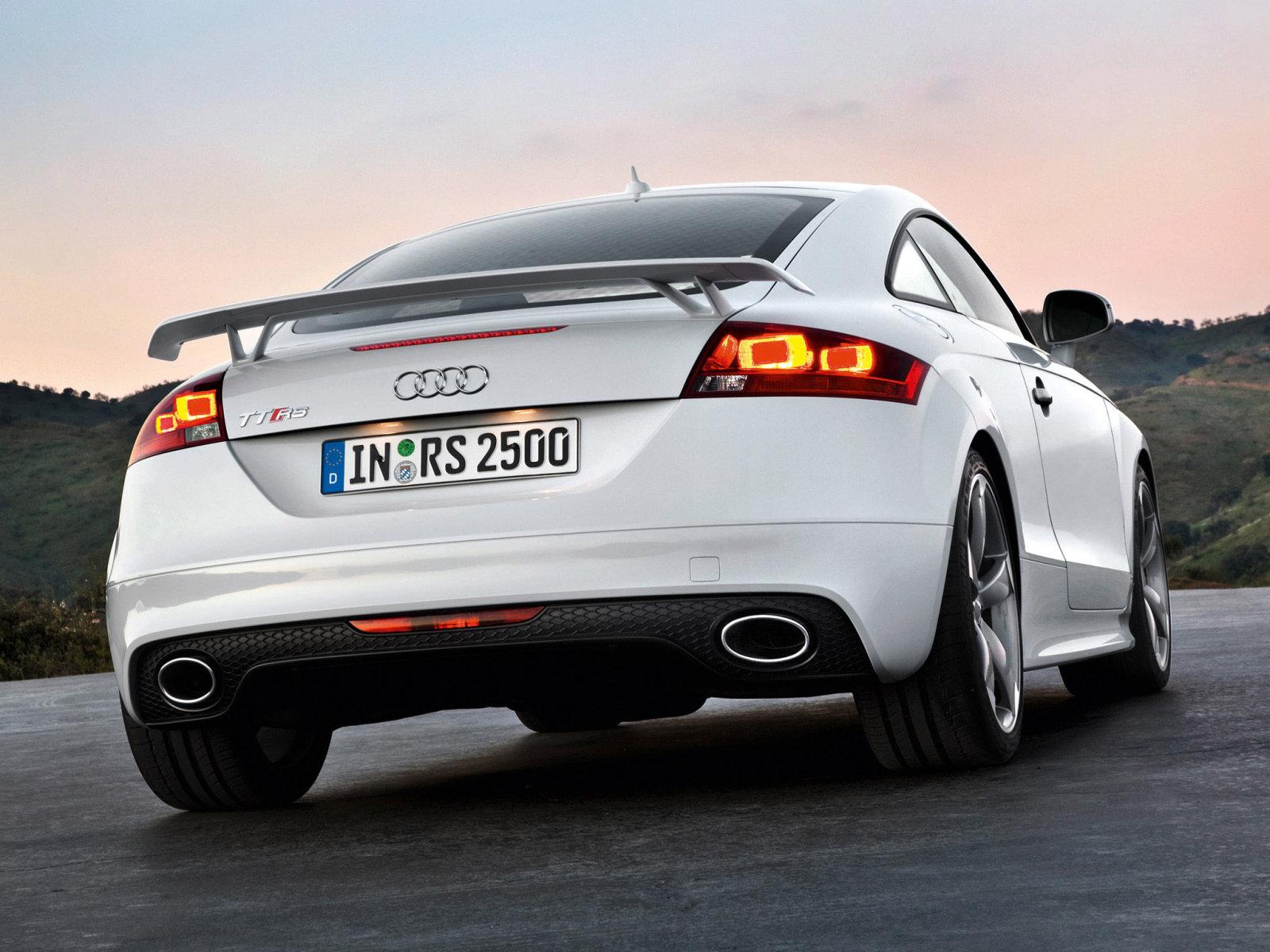 2012 Audi TT-RS эффектно возвращается в США. ФОТО.