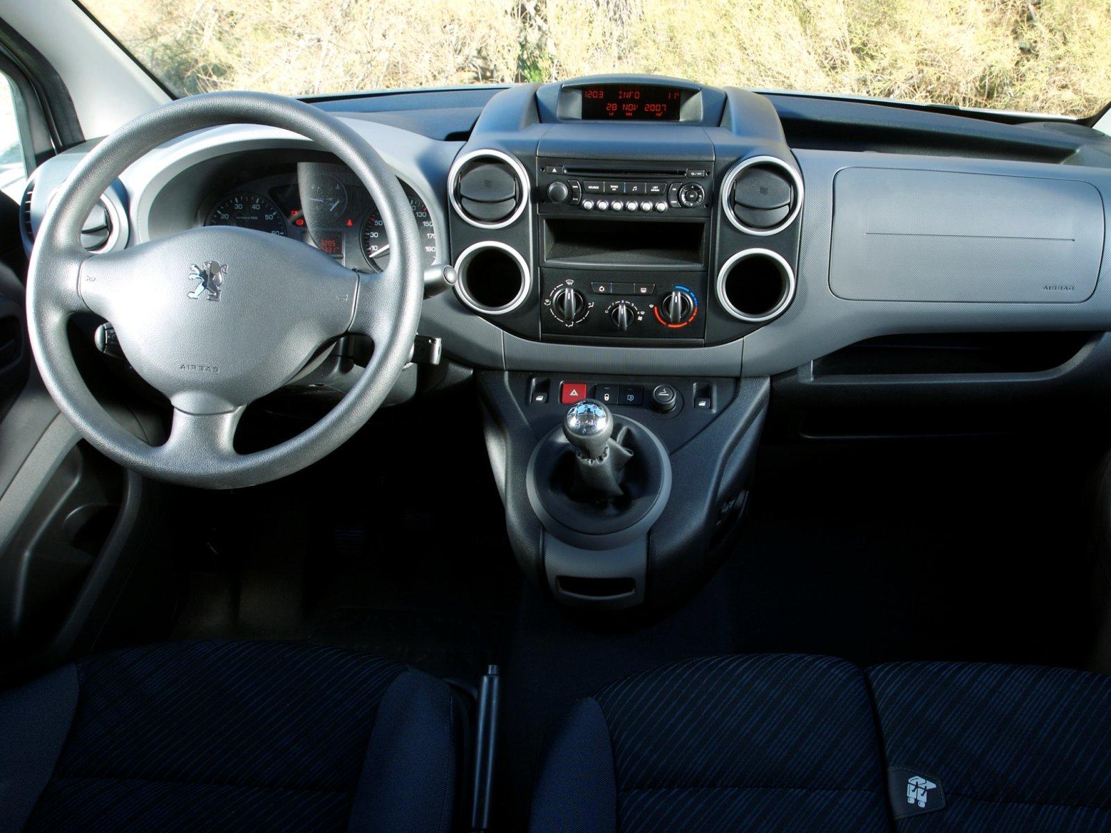 Peugeot Partner Фургон изображен…