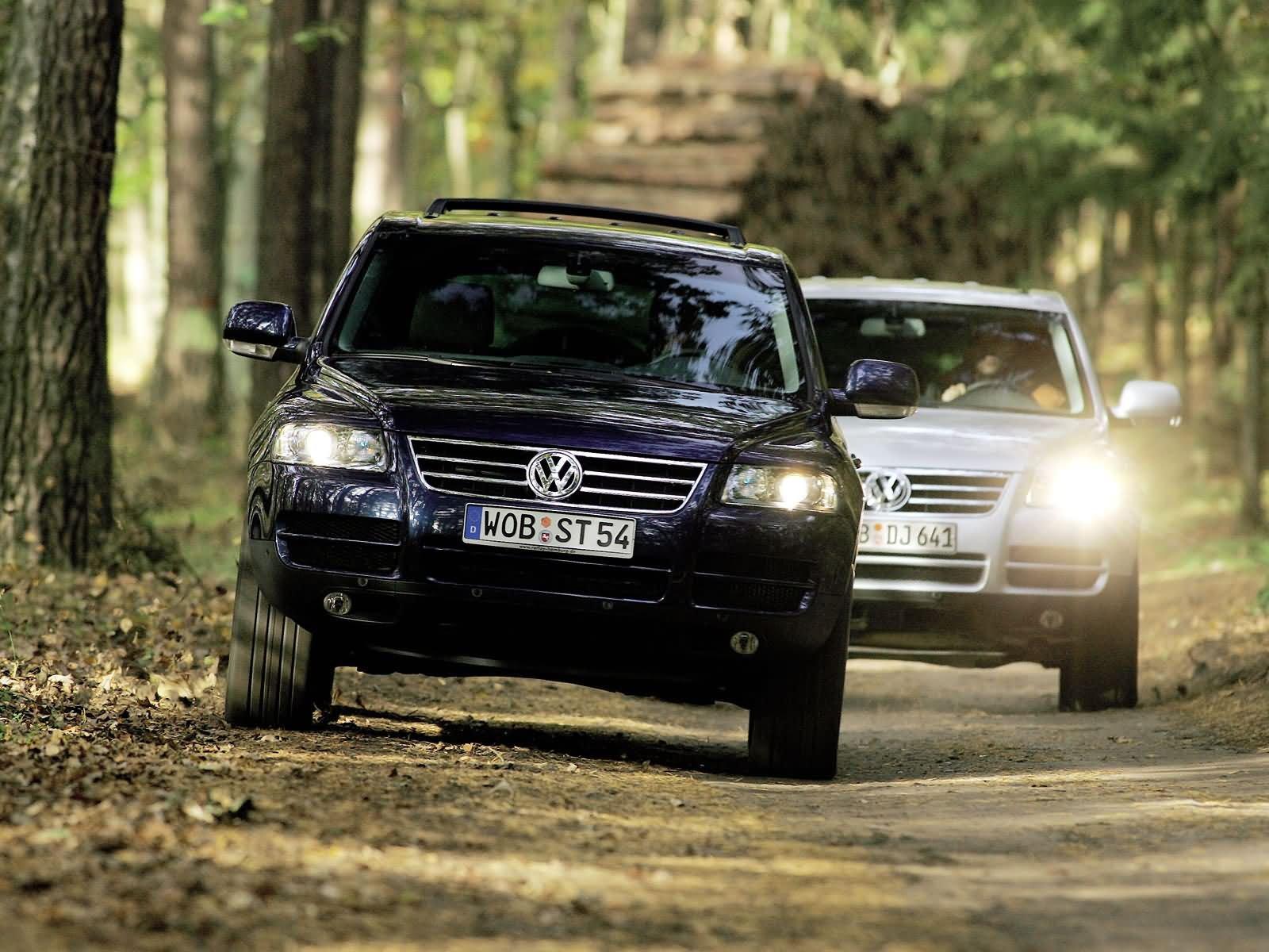 2011 vw touareg hybrid wants to be like porshe, starts at $60,565